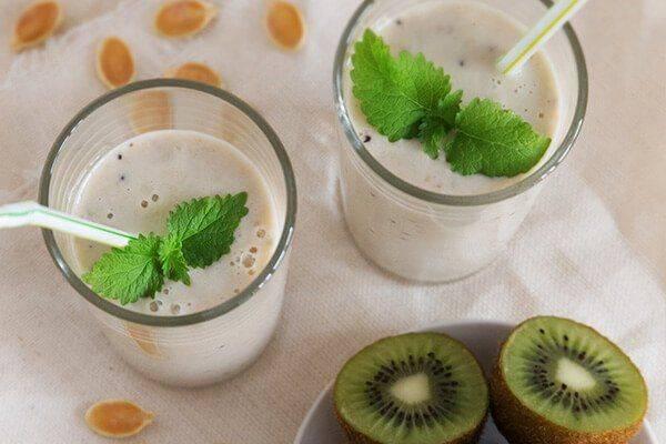 Пошаговые рецепты приготовления различных вкусных смузи с киви для похудения