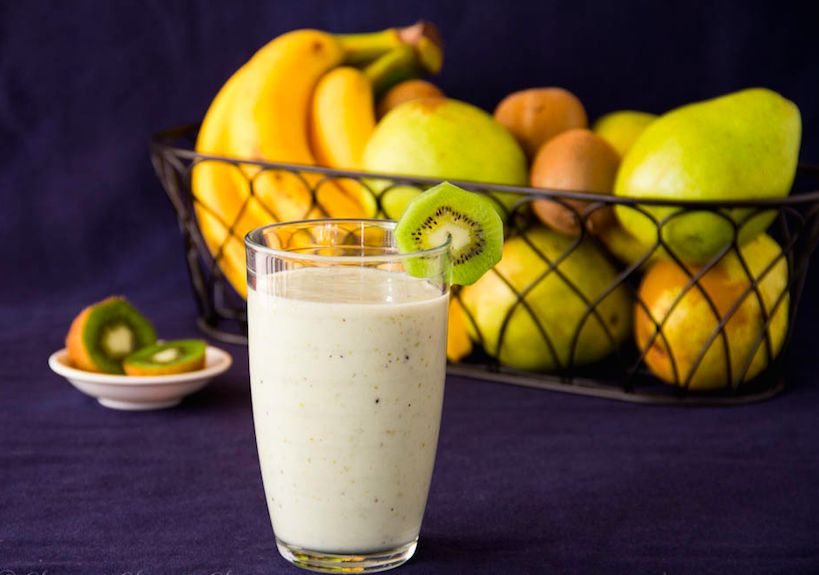 Смузи из банана и яблока