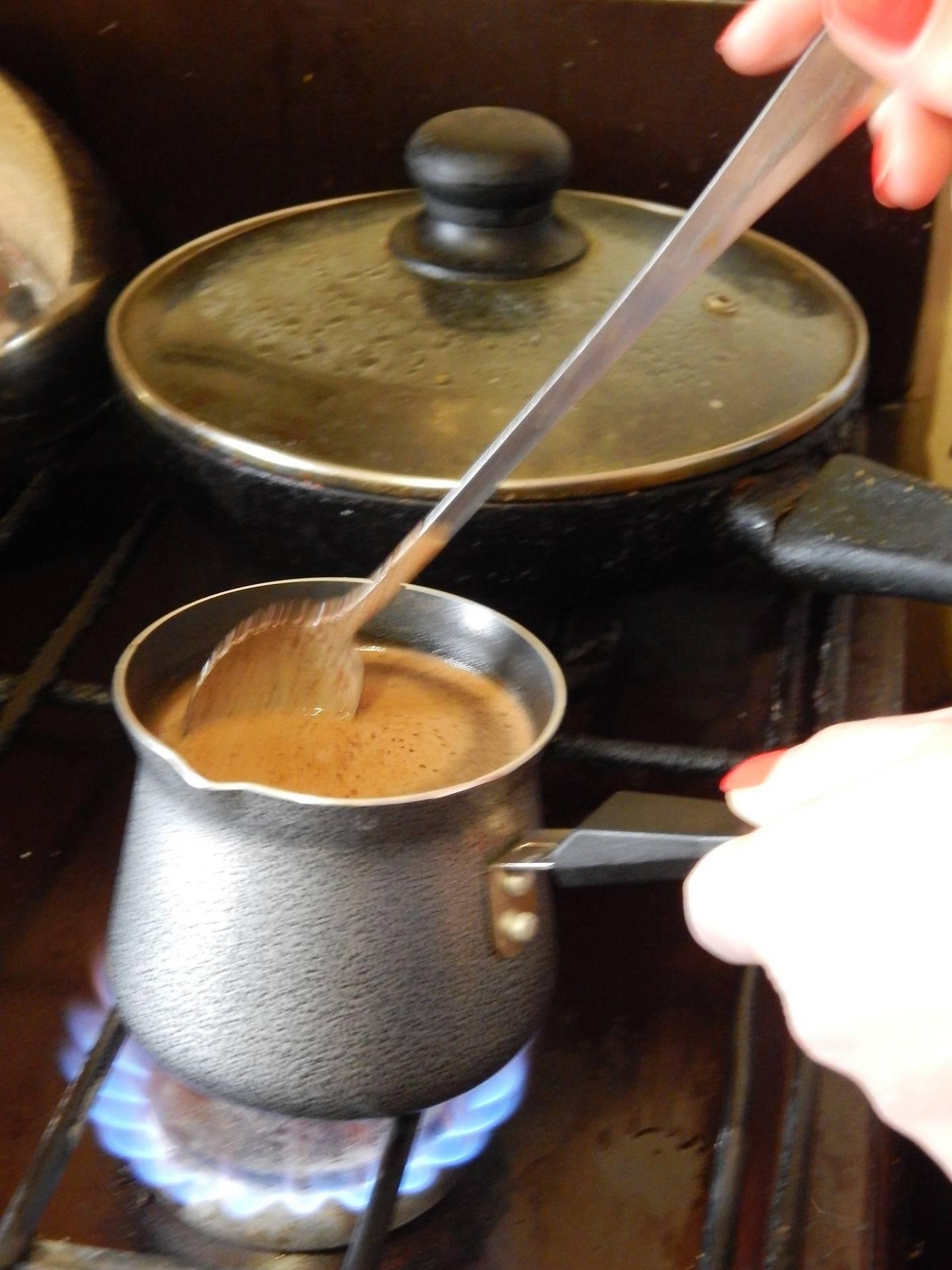 Как правильно приготовить кофе в турке: классические рецепты приготовления напитка