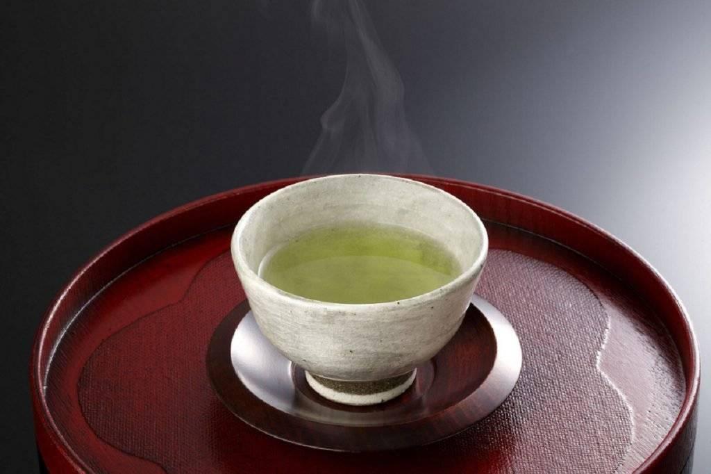 Повышает или понижает давление зеленый чай, как правильно заварить