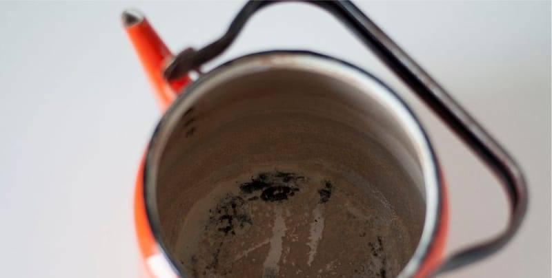 Как вымыть термос от налета чая и кофе и устранить неприятные запахи