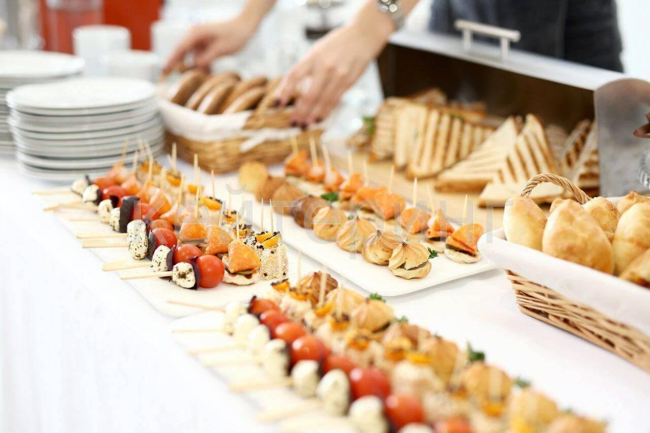 Кофе-брейк: что это такое, организация, меню, закуски, выездной, кейтеринг