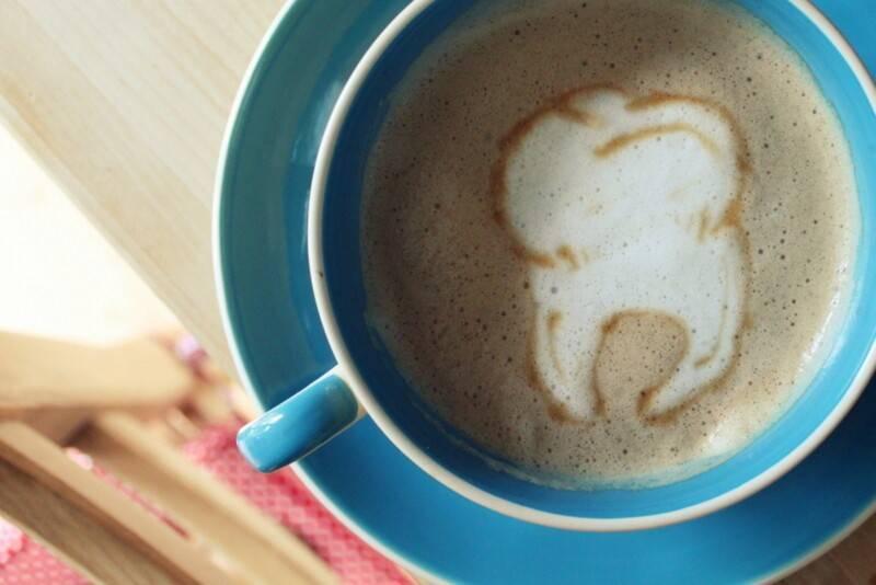 Пятна от кофе на зубах: налет, желтеют ли зубы от чая, полезные советы zdorovinform.ru