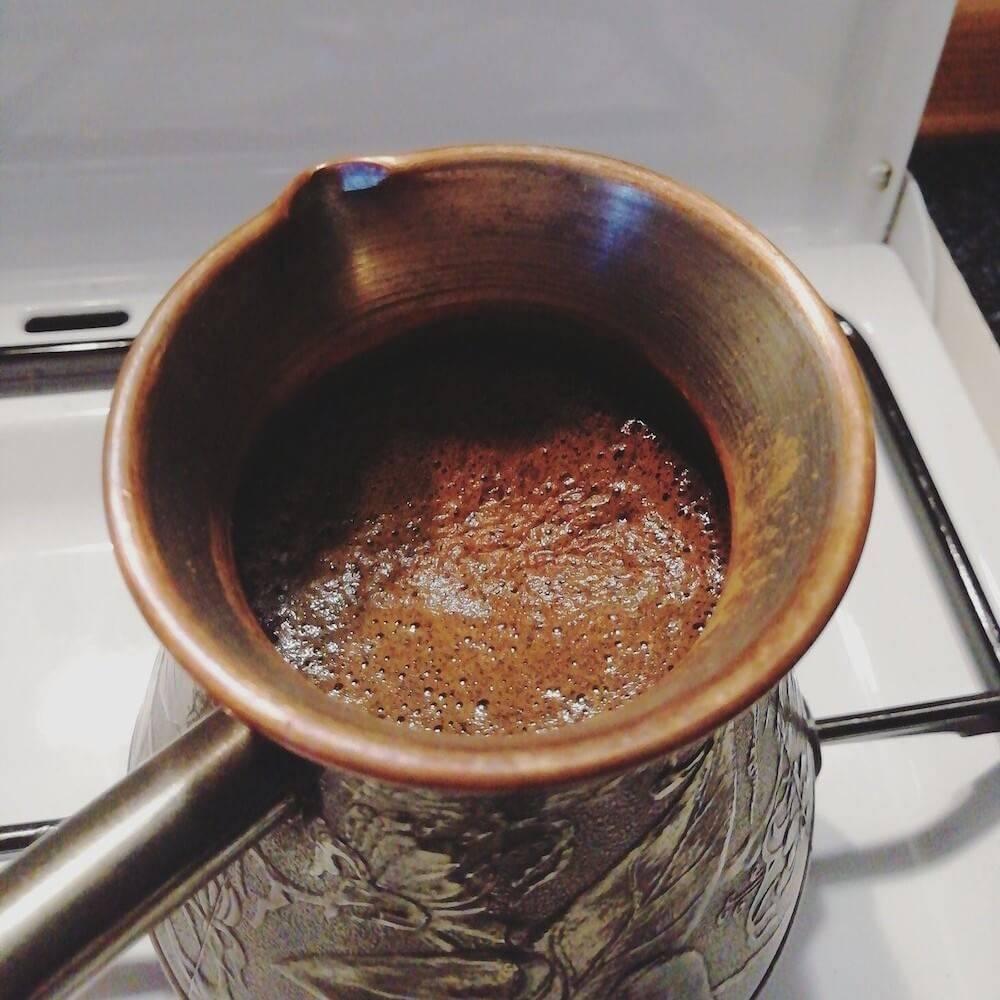 Как варить кофе в турке на плите – рецепты и рекомендации