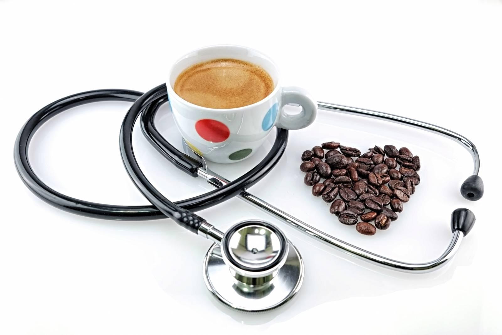 Как влияет кофе на давление? повышает или понижает