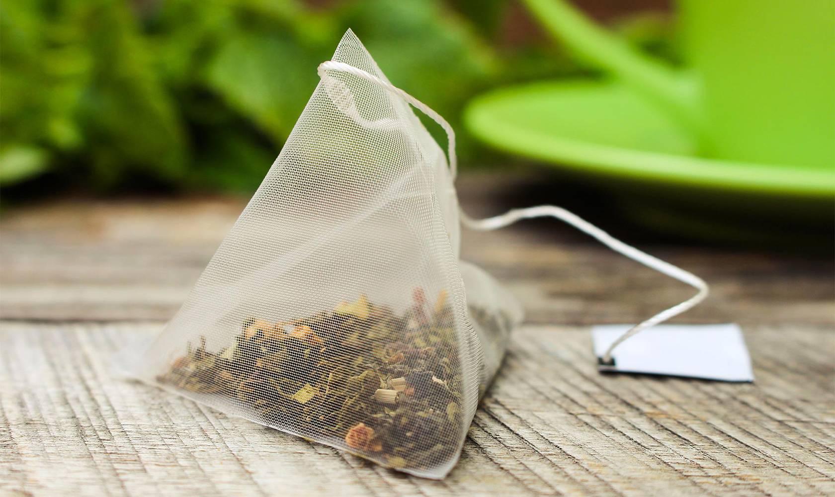 Применение чая на огородном участке и в процессе выращивания домашних растений