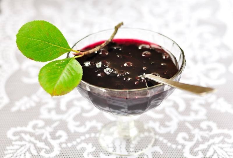 Черноплодная рябина: полезные свойства, рецепты приготовления
