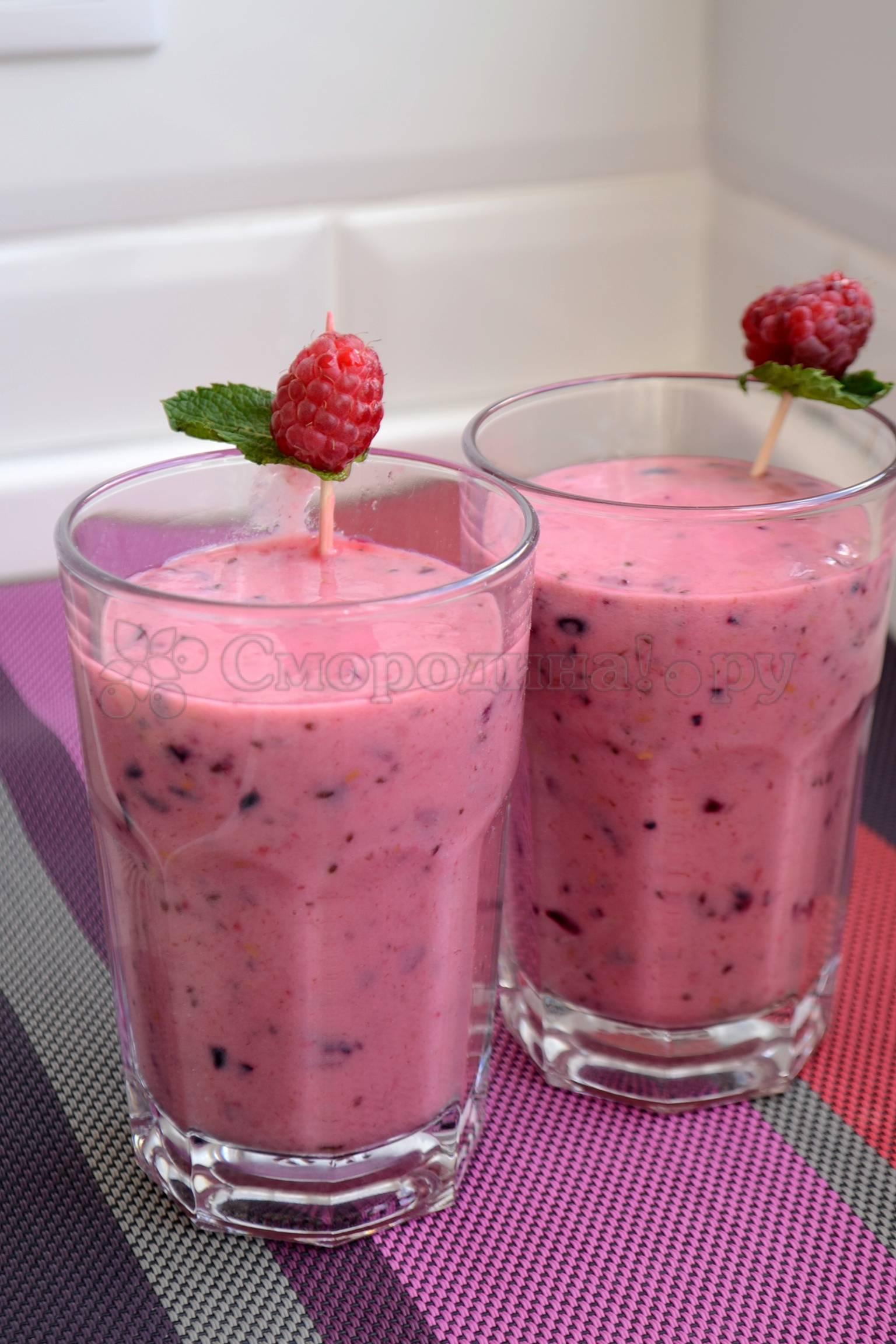 Топ-10 рецептов ягодных смузи
