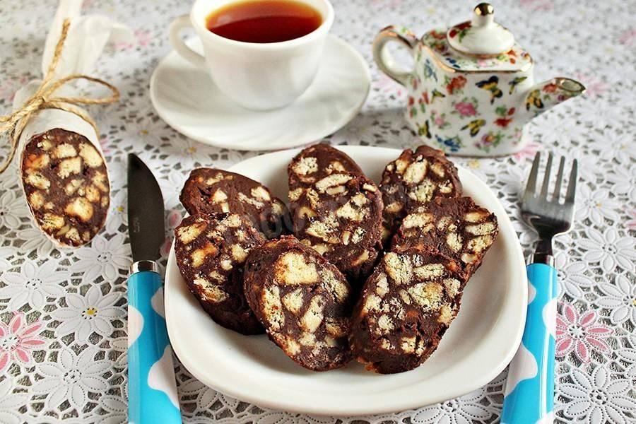 Шоколадная колбаса из печенья и сгущенки: рецепты десертов
