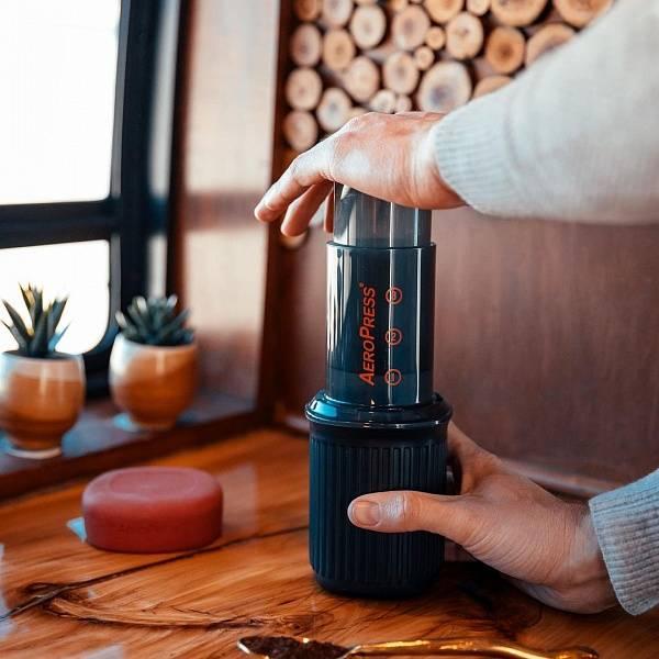 Аэропресс для заваривания кофе альтернативным способом: рецепт, три варианта приготовления, сравнение с фильтром от эксперта