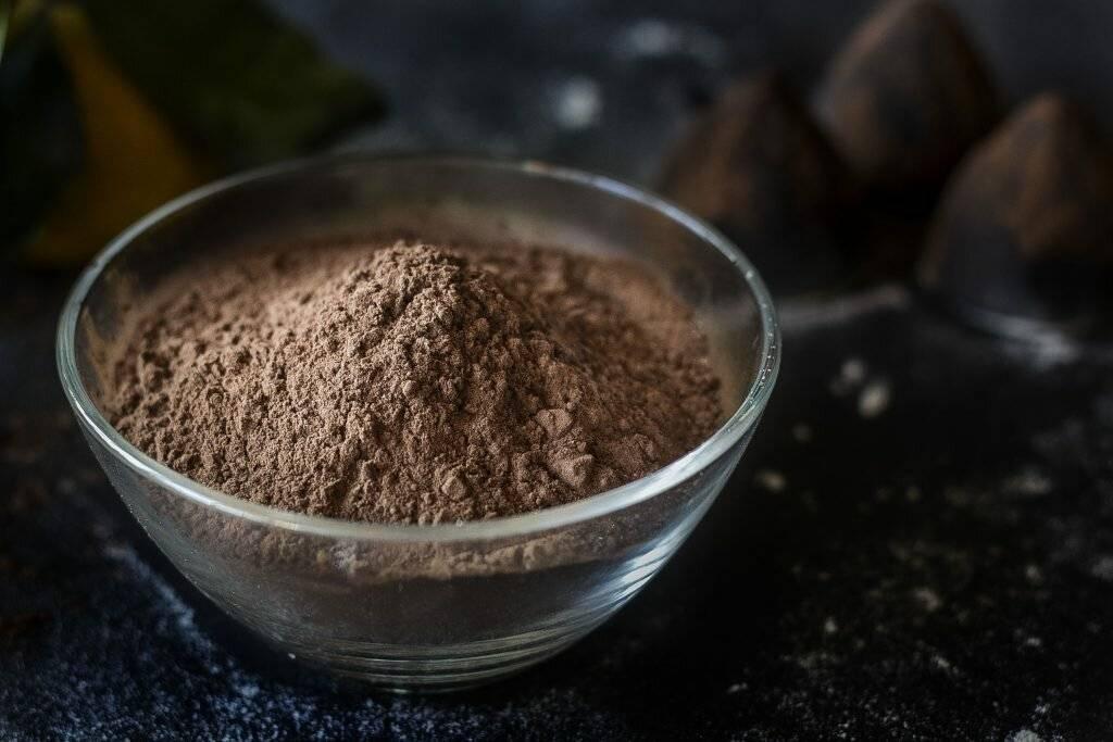 Слаще шоколада: что такое порошок кэроба и как его употребляют