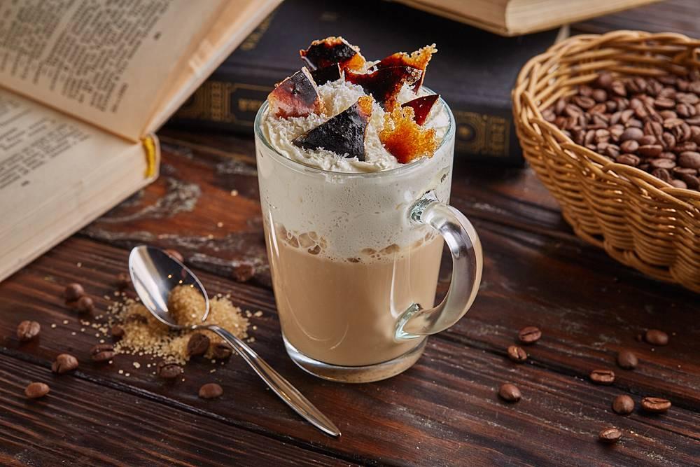 Можно ли кофе с сметаной. рецепты кофе с добавлением сметаны. голубцы в духовке в томатно-сметанном соусе