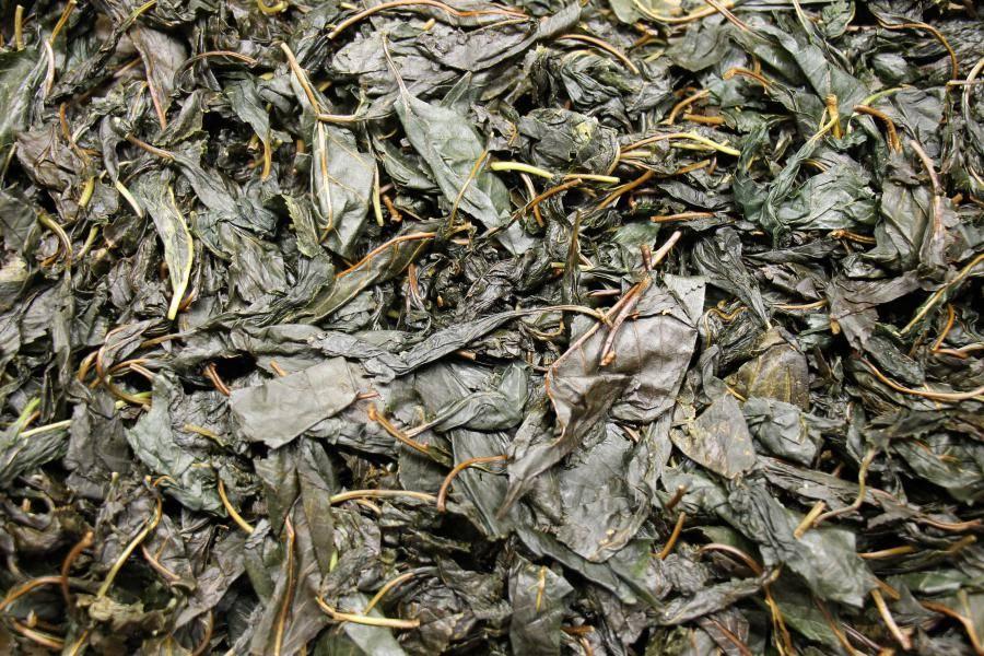 Чай из вишневых веточек: полезные свойства и вред