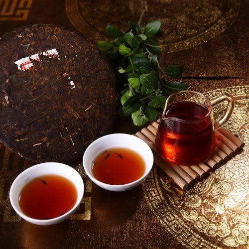 В китайских традициях — чай пуэр, его полезные свойства и противопоказания
