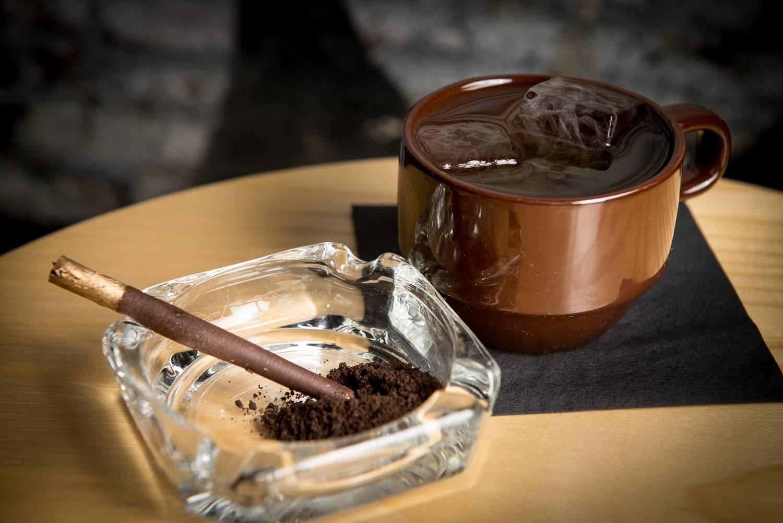 Кофе и сигареты, чем опасно подобное сочетание