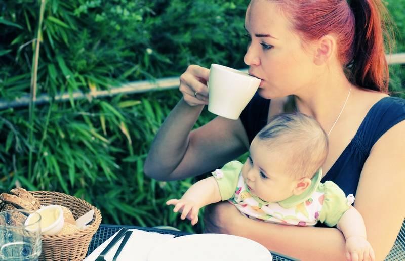 Можно ли пить кофе с молоком при грудном вскармливании?