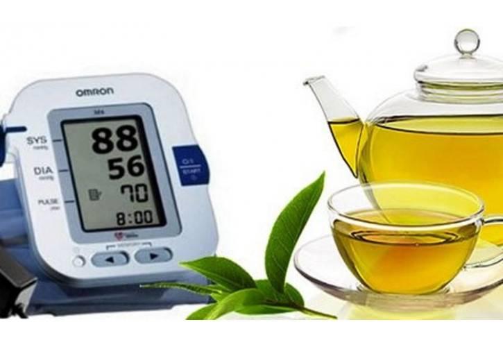 Зеленый чай повышает или понижает артериальное давление у человека