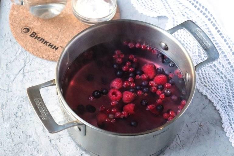 Как правильно сварить кисель из крахмала и замороженных ягод
