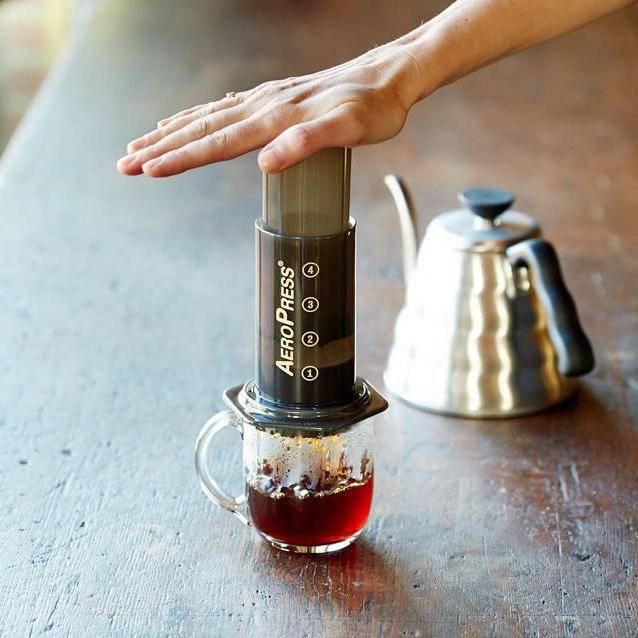 Аэропресс и харио. как можно получить чашечку эспрессо без кофемашины | продукты и напитки | кухня