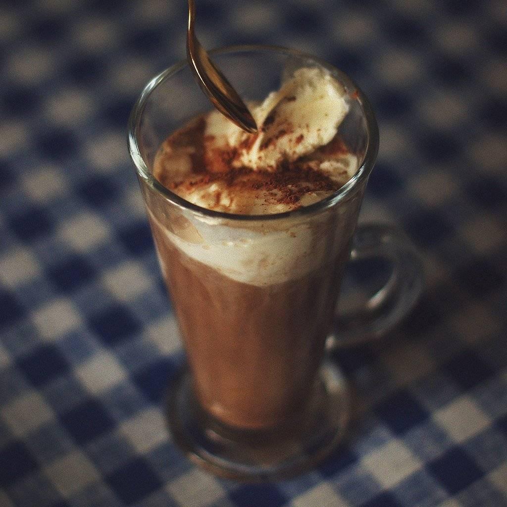 Кофе с мороженым как называется? как приготовить гляссе в домашних условиях?