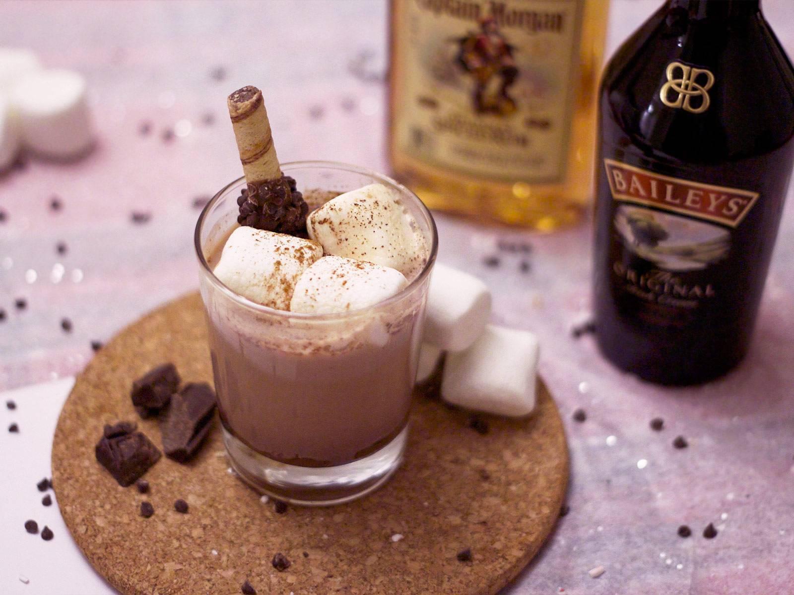 Кофе с ликером: вкусные рецепты с амаретто, бейлиз и пина колада