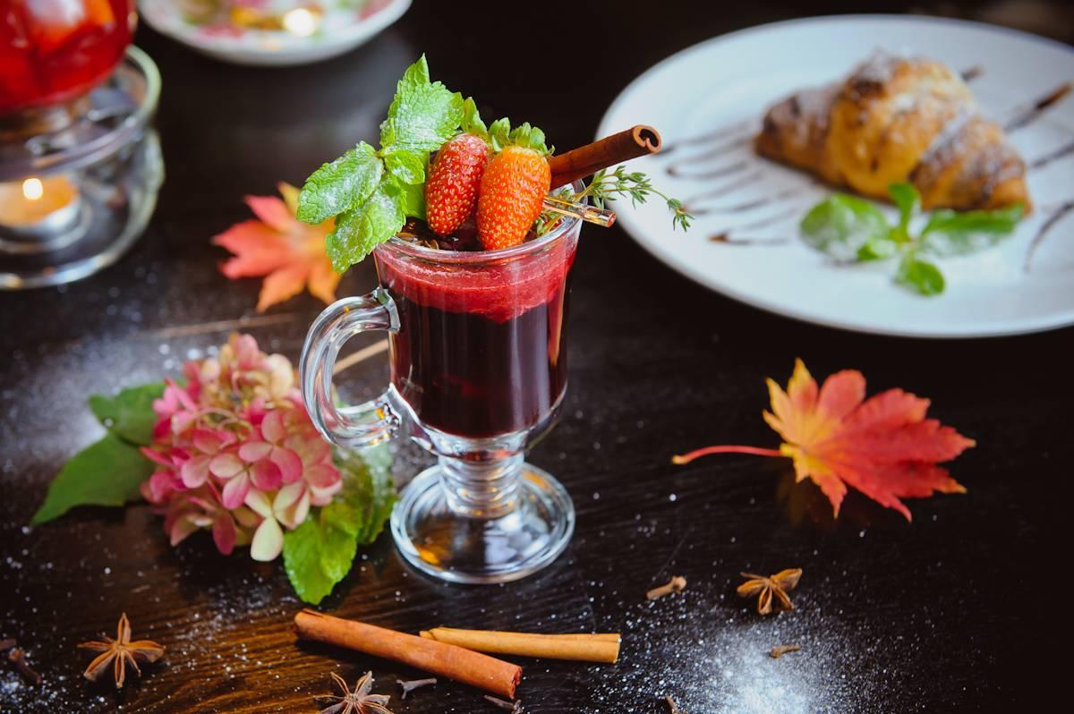 Чай с барбарисом: полезные свойства и рецепты приготовления