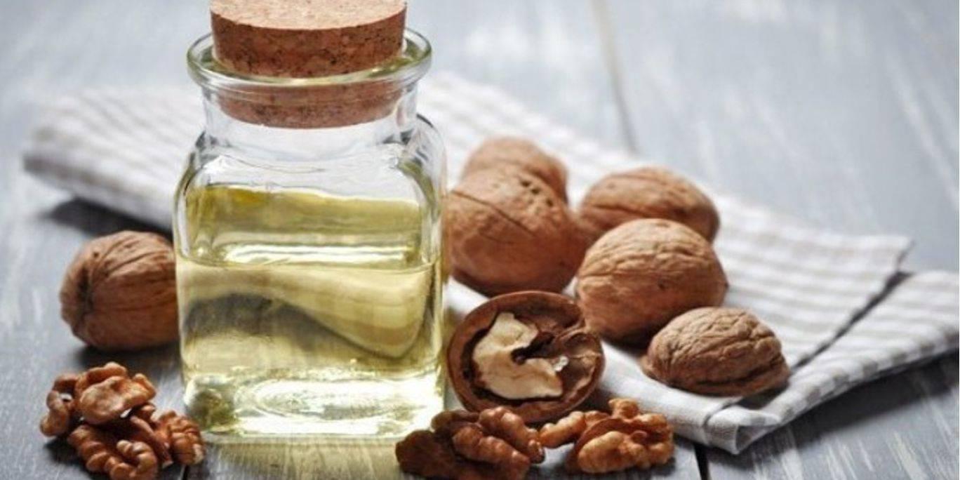 Зеленый грецкий орех с медом
