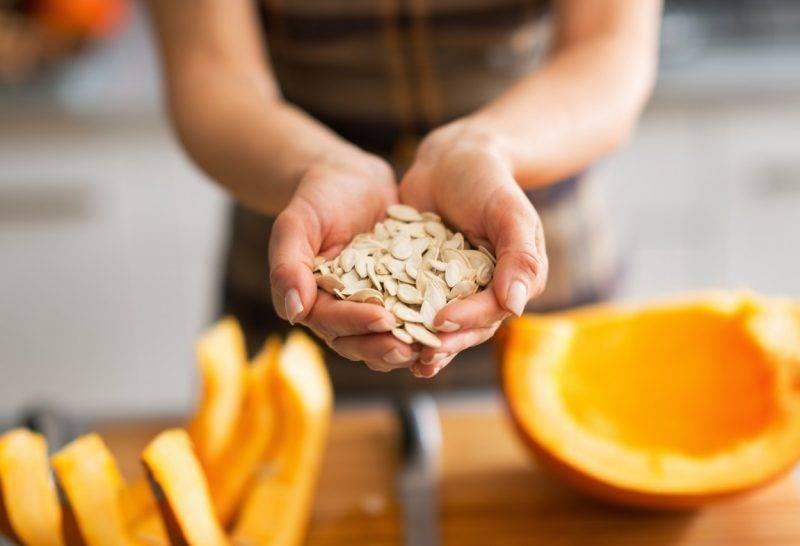 Тыквенные семечки: польза и вред для мужчин, как принимать, рецепт от простатита