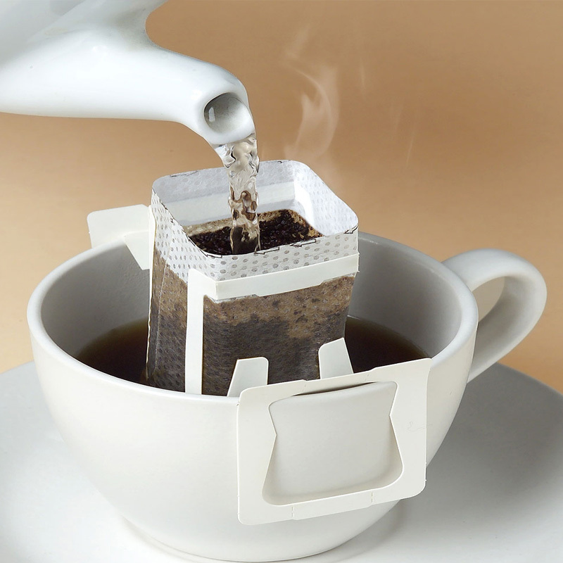 Кофе в пакетиках для заваривания в чашке