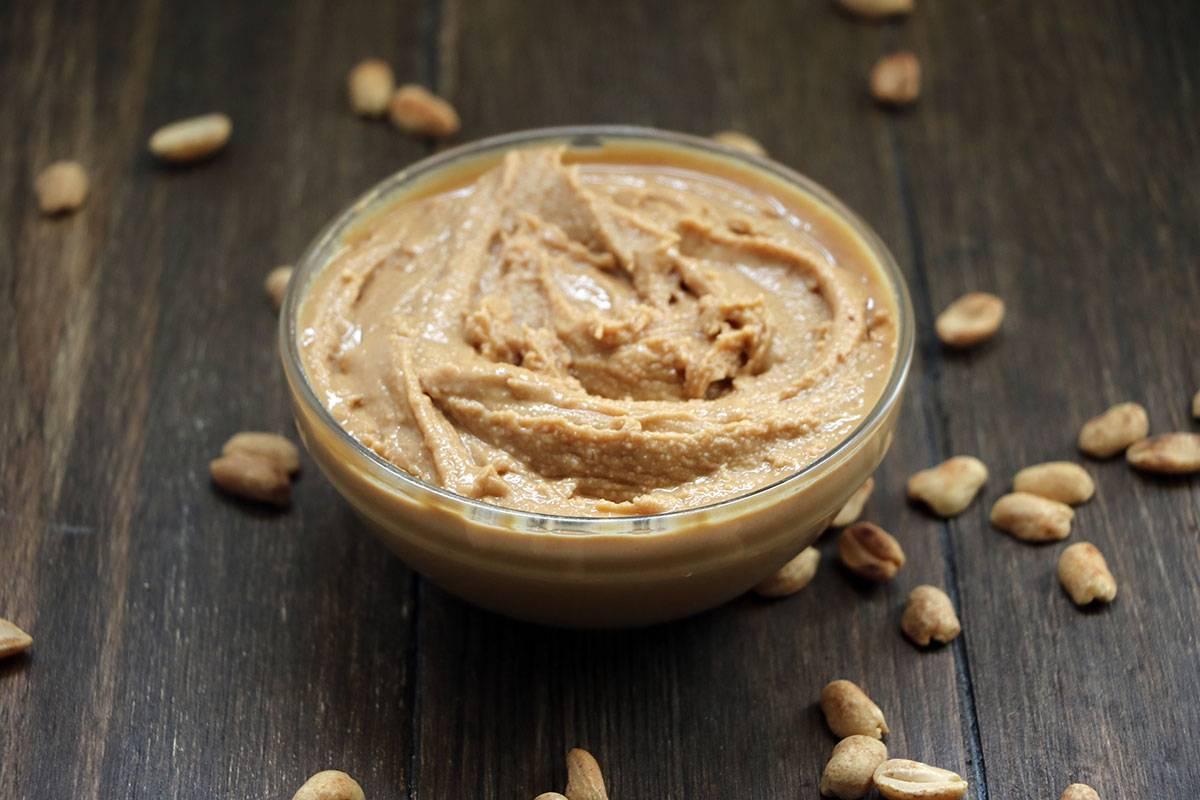 Арахисовая паста: состав, калорийность, польза и вред