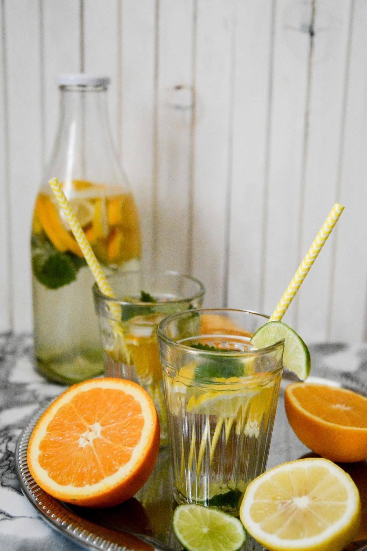 Сделал алкогольную «фанту» из остатков апельсинов: делюсь рецептом апельсиновой бражки, на литр которой ушло всего 19 рублей