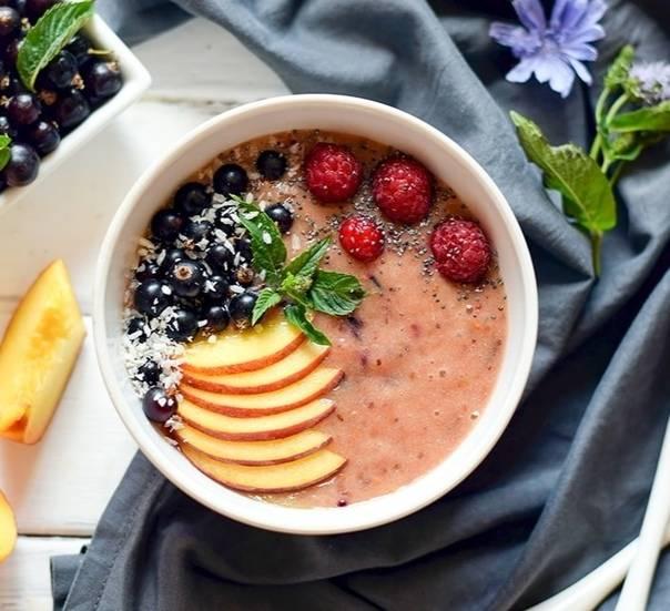 Невероятной красоты пост: смузи-боул – самый фотогеничный завтрак на свете