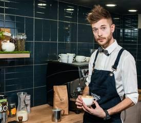 Где научиться хорошо готовить кофе: все школы и курсы бариста в москве