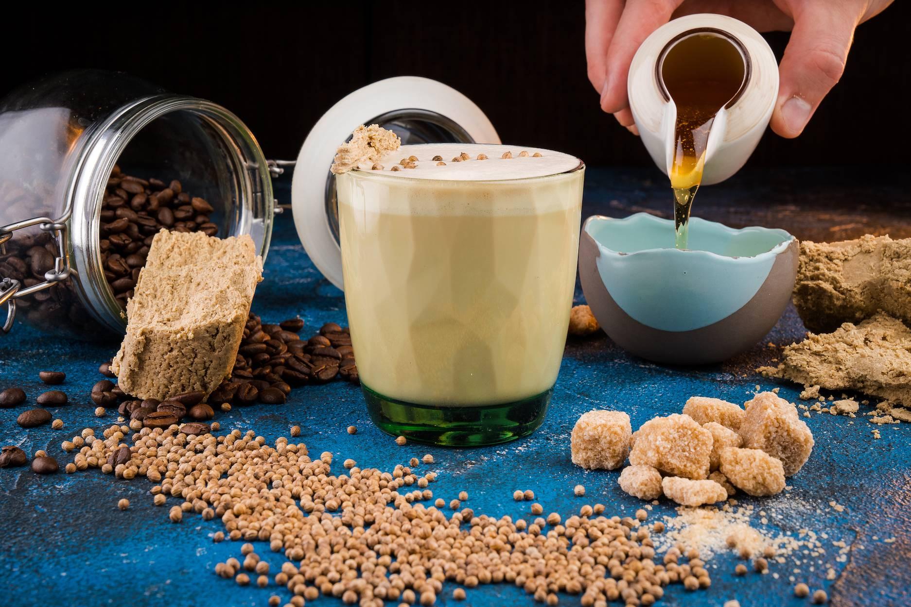 Кофе с халвой – восточный напиток и десерт