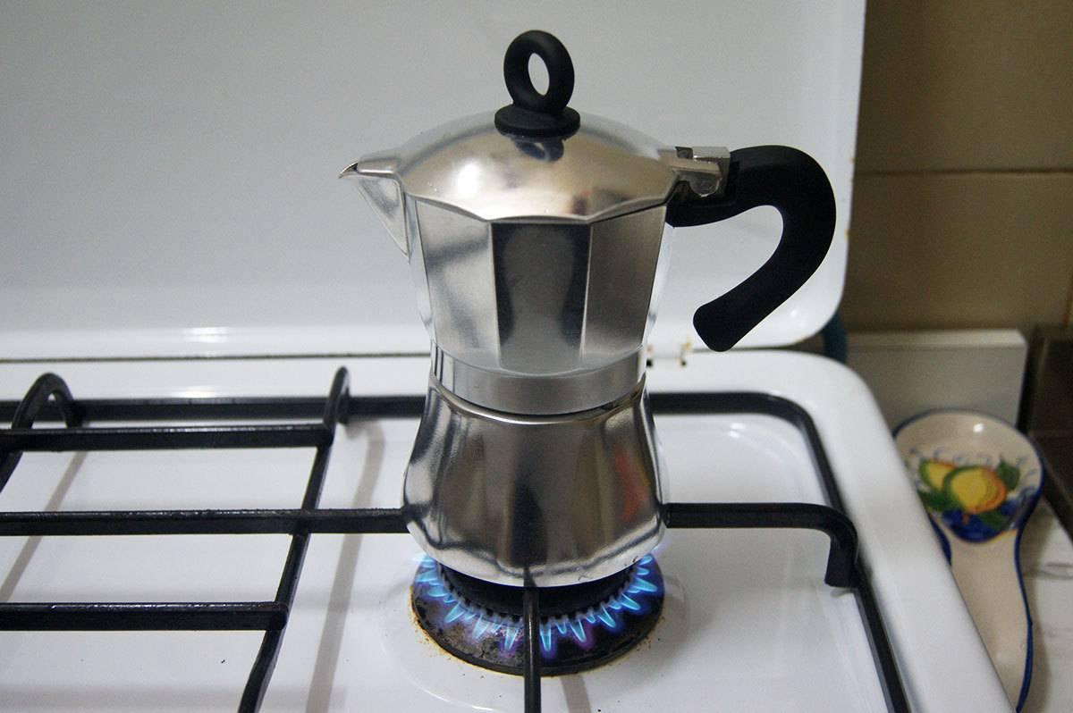 Как приготовить вкусный кофе к праздничному застолью