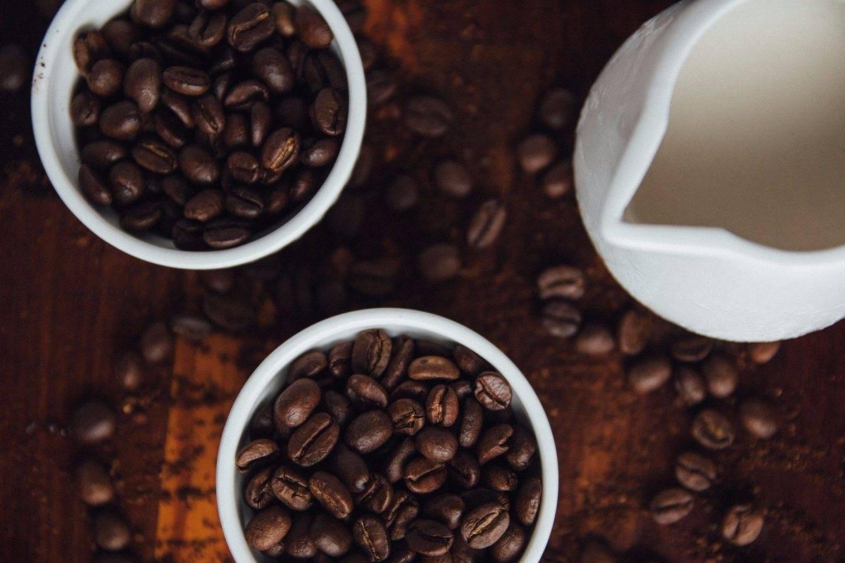 Белый кофе: что это за напиток и как его приготовить