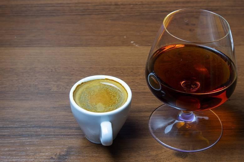 Кофе с коньяком рецепт с фото пошагово и видео - 1000.menu