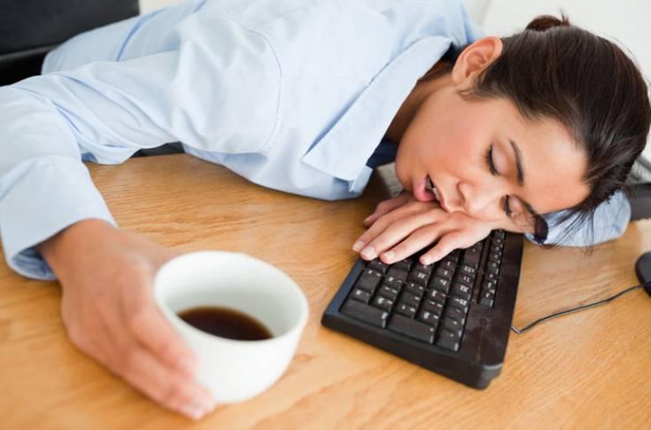 Почему после кофе хочется спать, причины сонливости