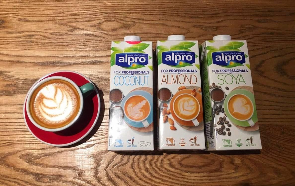 Как взбивать молоко в кофемашине (правильно) — инструкция