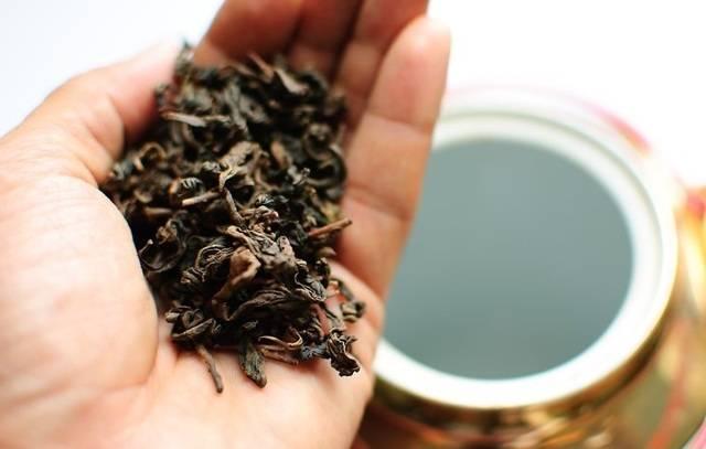 Срок годности чая зеленого, красного китайского и иного: есть ли он, какой указан в гостах, каковы условия и время хранения в зависимости от вида упаковки?