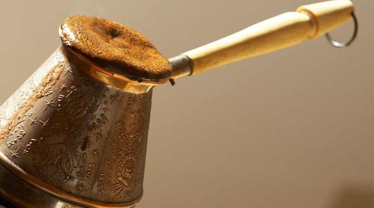 Как правильно сварить вкусный кофе в турке дома на плите: рецепты приготовления классического кофе по-турецки, с молоком и специями, с пенкой и шоколадом с фото и видео   qulady