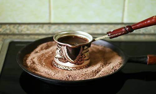 Кофе на песке - способ приготовления, преимущества, как варить, как подавать