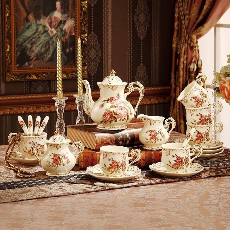 Английские традиции и обычаи: от чая до соломенного медведя