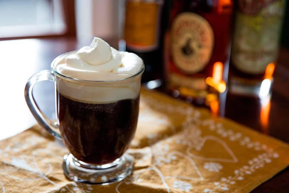 Кофе по-ирландски (18 фото): рецепт и состав, как приготовить и пить напиток с виски в домашних условиях