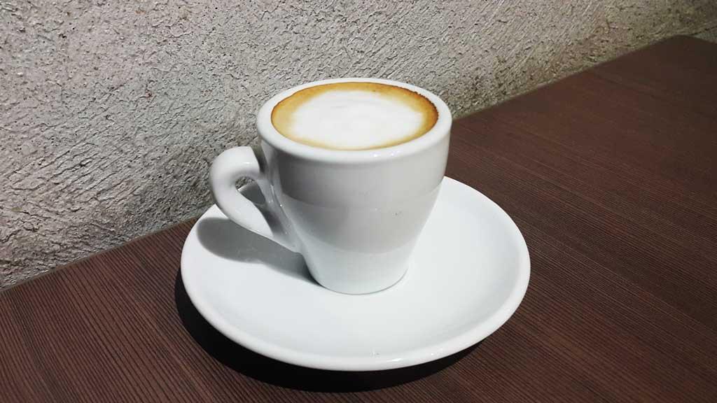 Как приготовить эспрессо в кофемашине — секреты приготовления