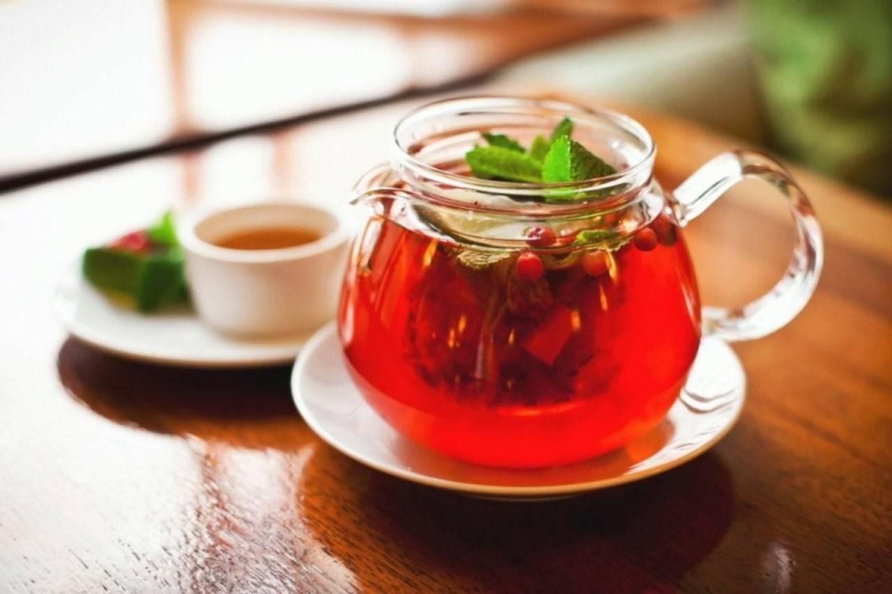 Как заваривать шиповник и пить, чтобы сохранить витамины и полезные свойства