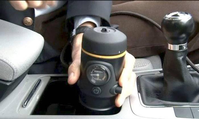 Слушать музыку через прикуриватель в машине: как подключить переходник