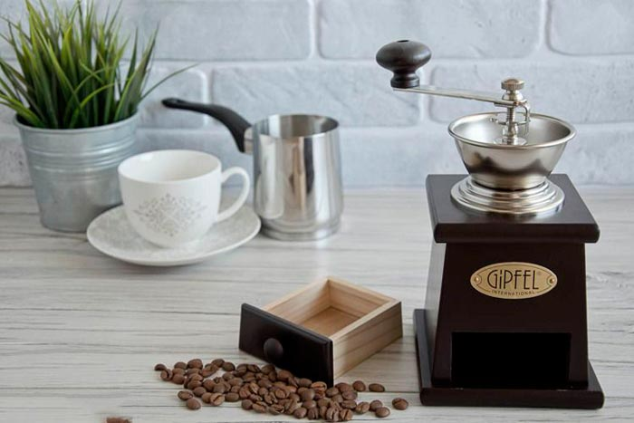 Как размолоть кофе, если нет кофемолки