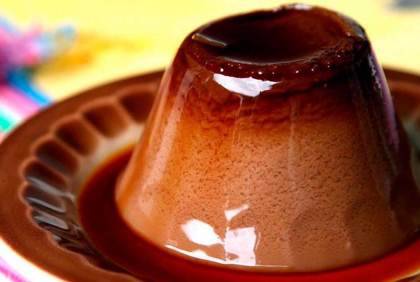 Шоколадно-молочное желе: простой десерт с какао