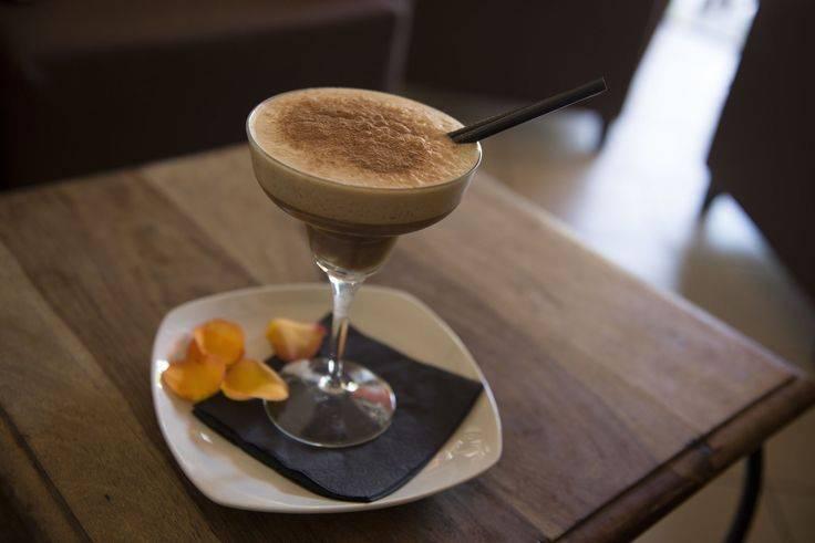 Итальянские напитки: алкогольные, безалкогольные, крепкие, горячие, кофейные, винные